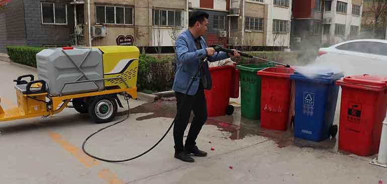冲洗垃圾桶