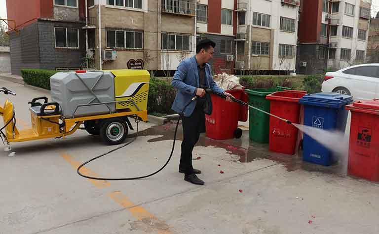 物业公司冲洗车