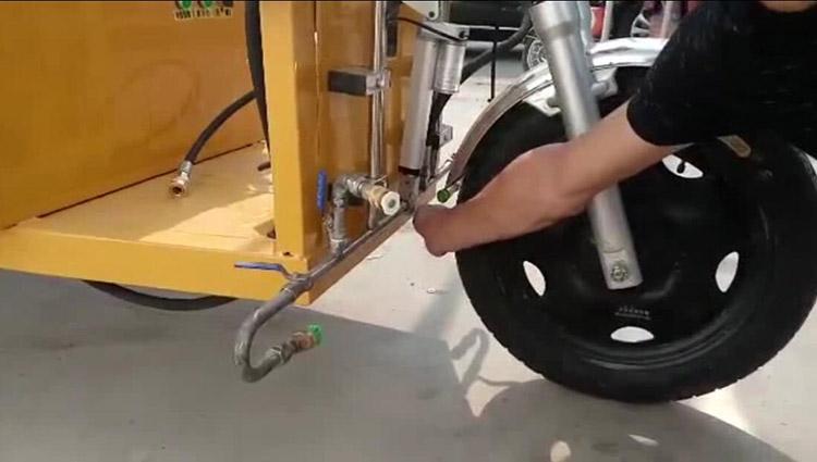 高压清洗车升降和左右对冲、侧面冲洗装置