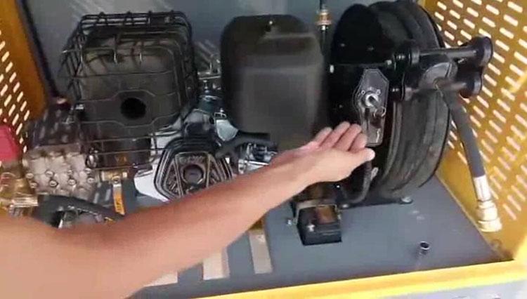 高压清洗车卷管器
