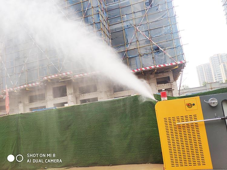 百易高压冲洗车的喷雾降尘效果