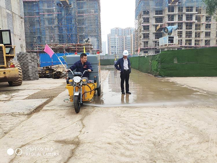 百易高压冲洗车用于工地路面冲洗