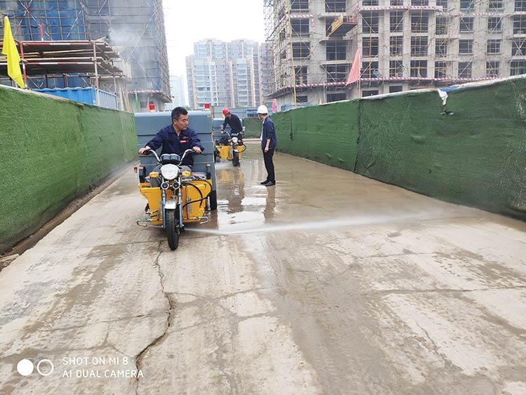 百易高压冲洗车用于工地道路冲洗