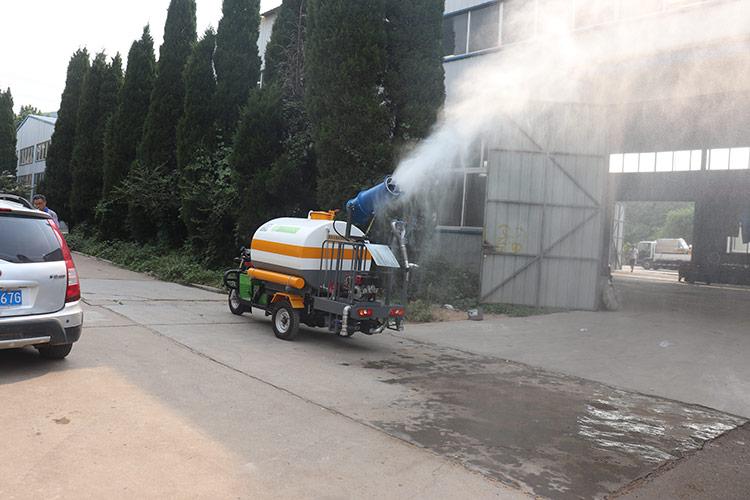 百易工地小型洒水车喷雾抑尘装置