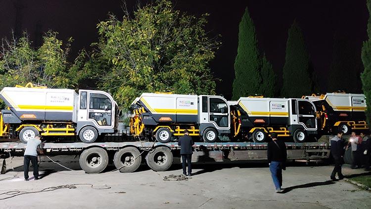 纯电动垃圾清运车发货现场图片