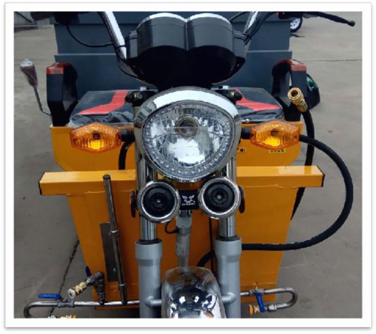 小型多功能高压冲洗车配置LED大灯