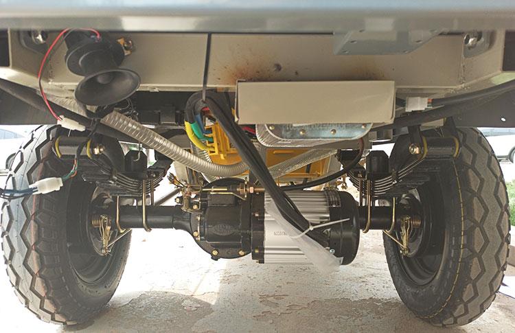 小型高压冲洗车刹车方式