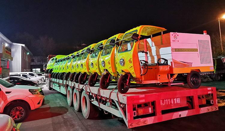 北京环雅丽都引进纯电动高压冲洗车到货现场