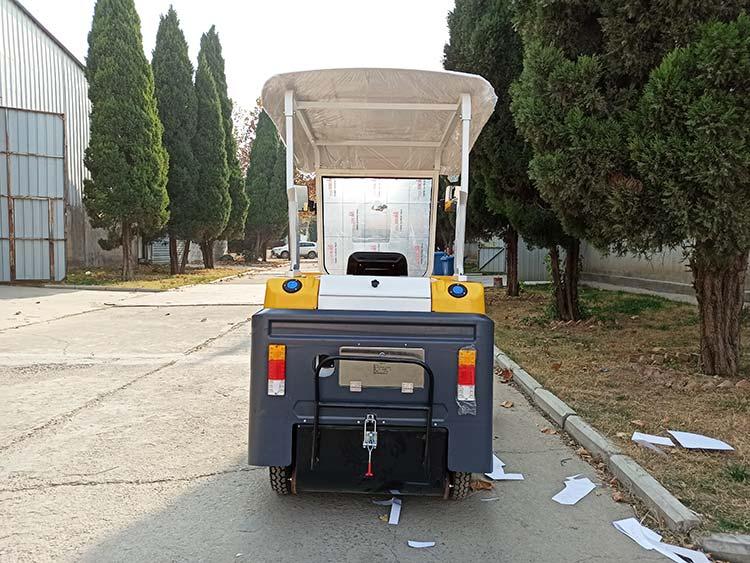 百易小型环卫道路清扫车