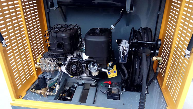 百易三轮电动清洗车核心配件展示