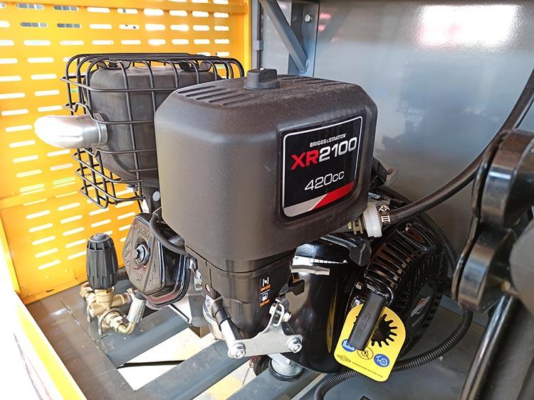 百易小型高压清洗车配置百力通发动机
