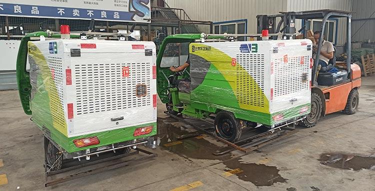 百易纯电动高压清洗车发货现场