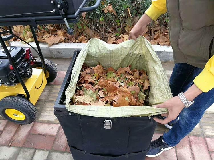 吸叶机的垃圾袋可随时更换