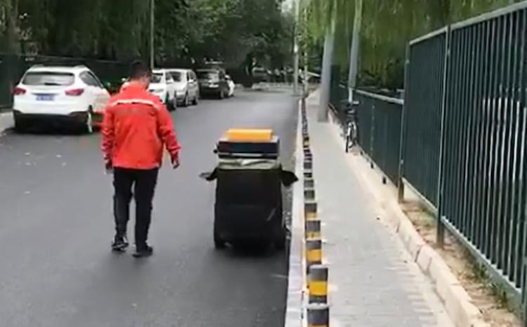 手推式吸叶机可自主行走