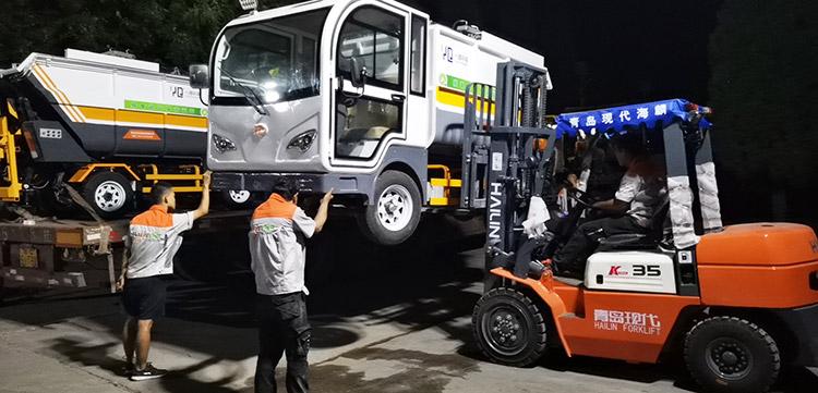 一清环境引进高压冲洗车和垃圾清运车