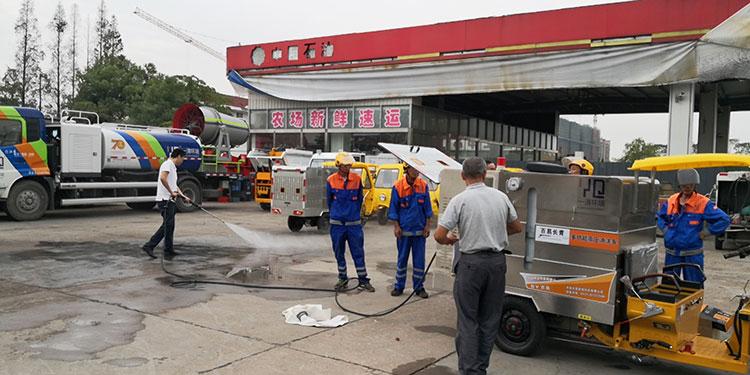 一清环境高压冲洗车和垃圾清运车培训现场