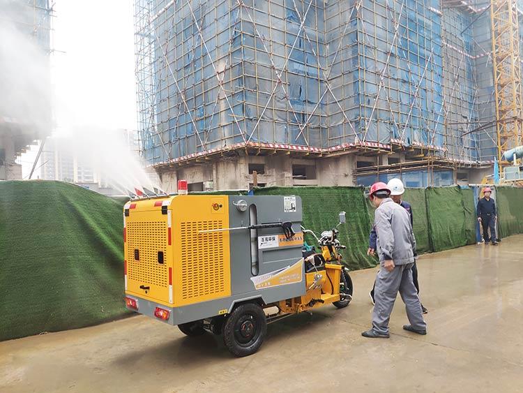 建筑工地引进多功能高压冲洗车