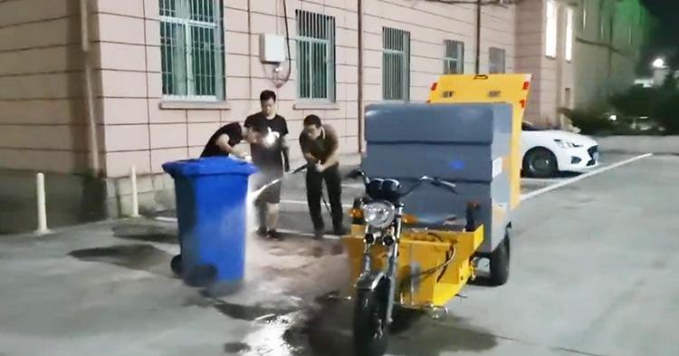 虎贝镇人民政府引进多功能高压冲洗车
