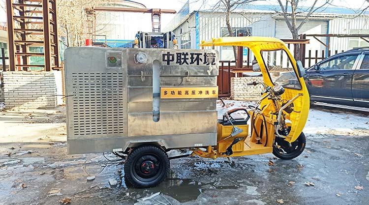 石门环卫公司引进多功能高压冲洗车